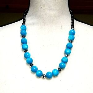 Vintage 1970s Turquoise Glass Beaded Necklace